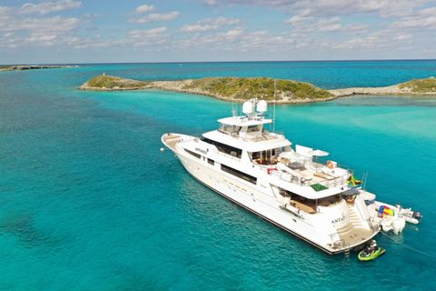 Yacht Charter ANTARES | Ritzy Charters