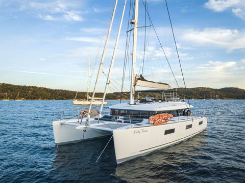 Yacht Charter LADY FIONA | Ritzy Charters