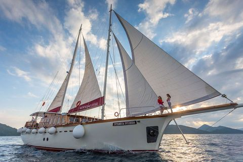 Yacht Charter Morning Star | Ritzy Charters