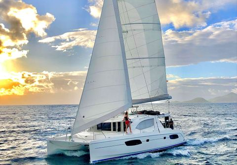 Yacht Charter Groovy | Ritzy Charters