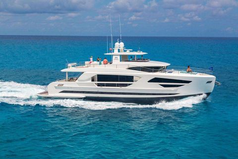 Yacht Charter MIDNIGHT MOON   Ritzy Charters