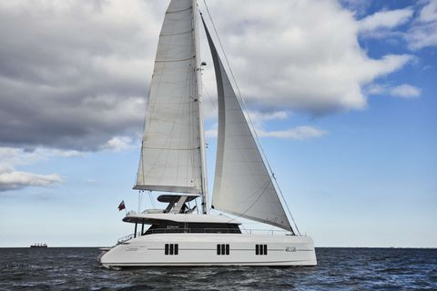 Yacht Charter FEEL THE BLUE | Ritzy Charters
