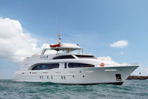 Yacht Charter Grand Majestic | Ritzy Charters