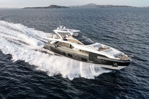 Yacht Charter MAJESTIC MOMENTS | Ritzy Charters