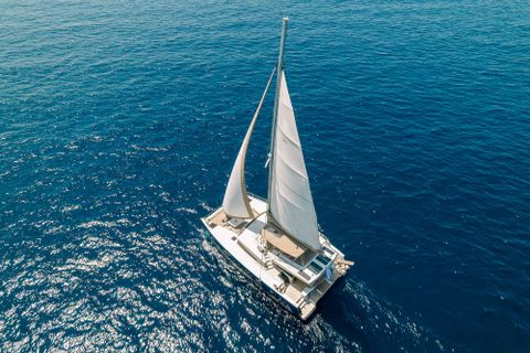 Yacht Charter NEW HORIZONS 3 | Ritzy Charters