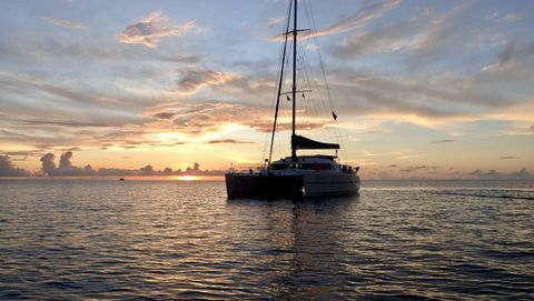 Yacht Charter DREAMCATCHER | Ritzy Charters