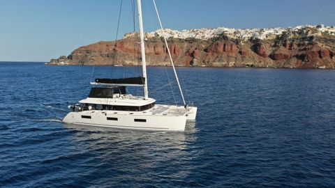 Yacht Charter SANTORINI | Ritzy Charters