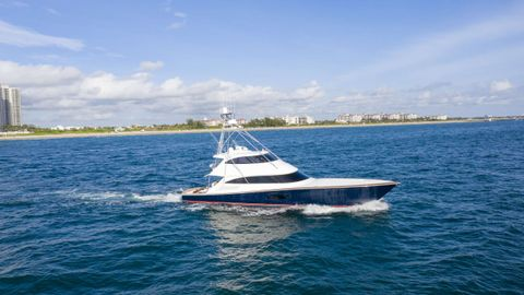 Yacht Charter SPECULATOR 92 | Ritzy Charters