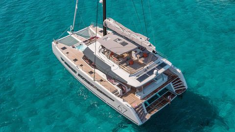 Yacht Charter Lisa of the Seas | Ritzy Charters