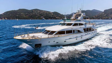 Yacht Charter New Star   Ritzy Charters