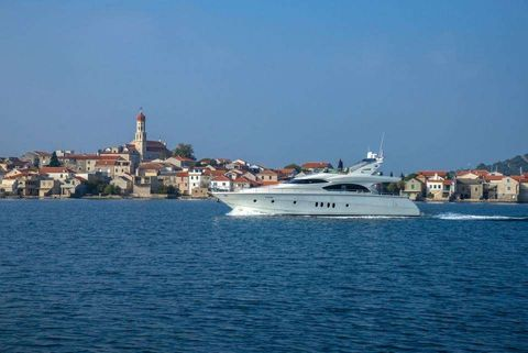 Yacht Charter ALDA | Ritzy Charters