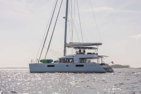 Yacht Charter Whispers II | Ritzy Charters