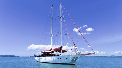 Yacht Charter ORIENT PEARL   Ritzy Charters