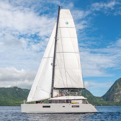 Yacht Charter RESPITE AT SEA | Ritzy Charters