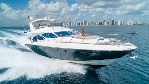 Yacht Charter WICKED | Ritzy Charters