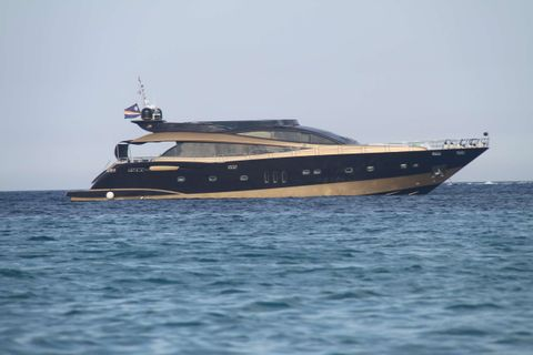 Yacht Charter CLAREMONT   Ritzy Charters