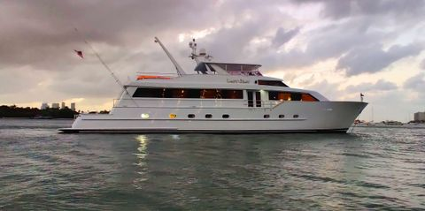 Yacht Charter LADY GRAY | Ritzy Charters