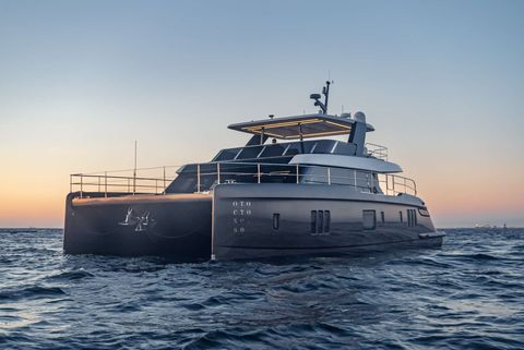 Yacht Charter OTOCTONE 60 | Ritzy Charters