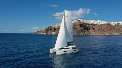 Yacht Charter PAROS | Ritzy Charters