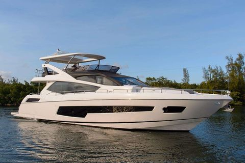 Yacht Charter GOLDEN OURS | Ritzy Charters