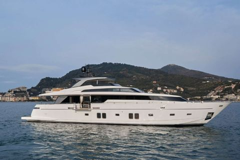 Yacht Charter Lady White   Ritzy Charters