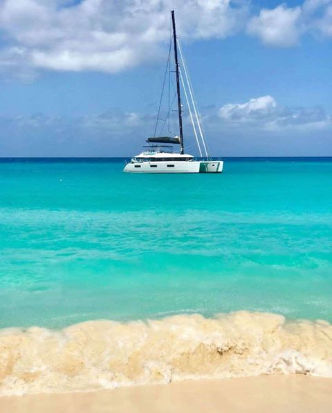 Yacht Charter DRAGONFLY | Ritzy Charters
