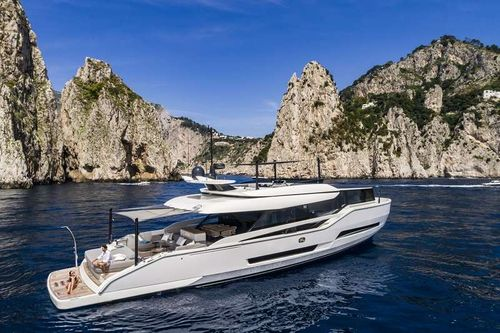 Yacht Charter MOANNA I | Ritzy Charters