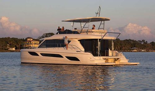 Yacht Charter VYVO | Ritzy Charters