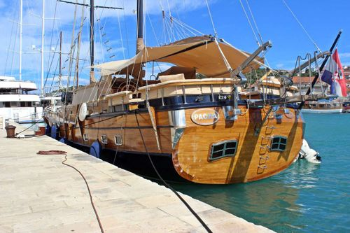 Yacht Charter Pacha | Ritzy Charters