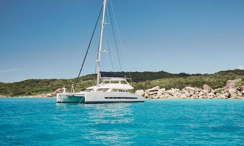 Yacht Charter PELICAN | Ritzy Charters