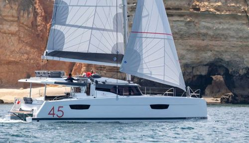 Yacht Charter InDoses | Ritzy Charters