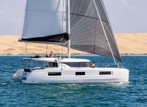 Yacht Charter MARCH DRAGON | Ritzy Charters