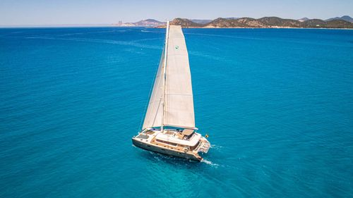 Yacht Charter FIREFLY | Ritzy Charters