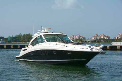 Yacht Charter PIER PRESSURE   Ritzy Charters