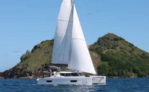 Yacht Charter ALLENDE | Ritzy Charters