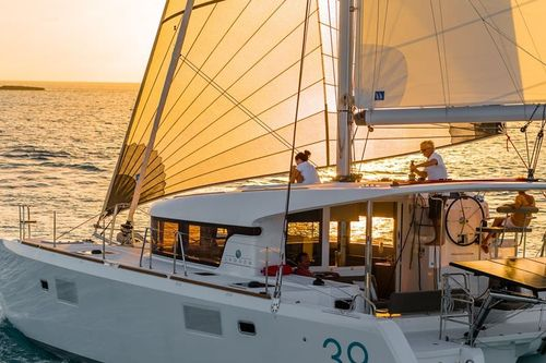 Yacht Charter GLORY DAYS | Ritzy Charters