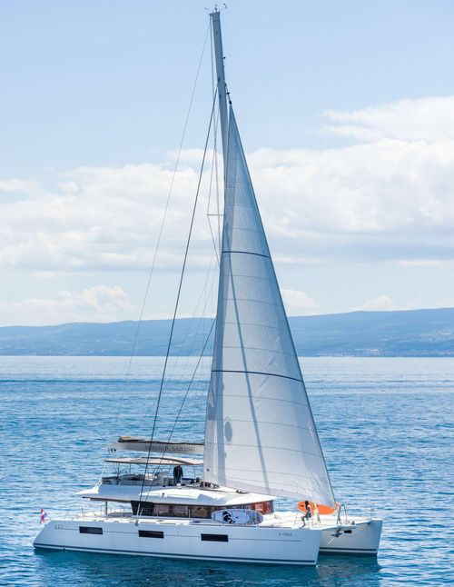 Yacht Charter OPAL (Lagoon 620) | Ritzy Charters