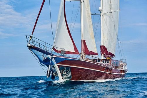 Yacht Charter QUEEN OF KARIA   Ritzy Charters