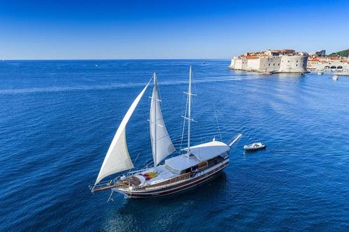 Yacht Charter Allure   Ritzy Charters