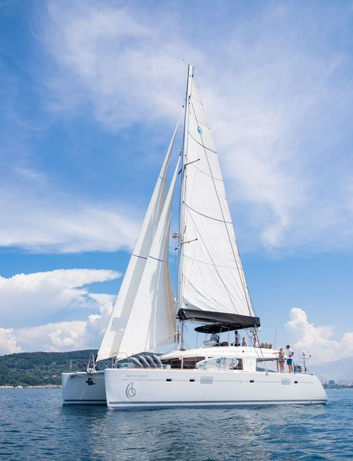 Yacht Charter ARCTIC QUEEN | Ritzy Charters