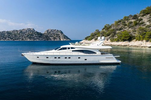 Yacht Charter SIMPLY BRILLIANT | Ritzy Charters