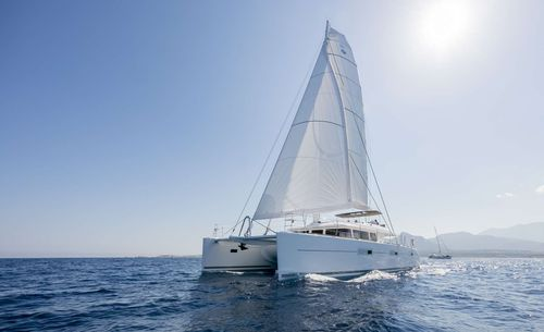 Yacht Charter TWIN | Ritzy Charters