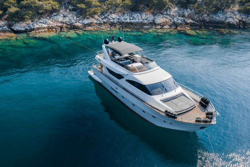 Yacht Charter SALTY | Ritzy Charters