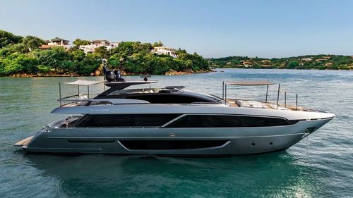 Yacht Charter UNKNOWN | Ritzy Charters