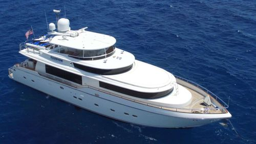 Yacht Charter ILLUSION | Ritzy Charters