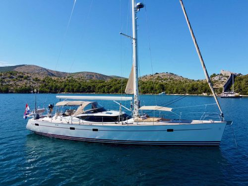 Yacht Charter LUNULATA | Ritzy Charters