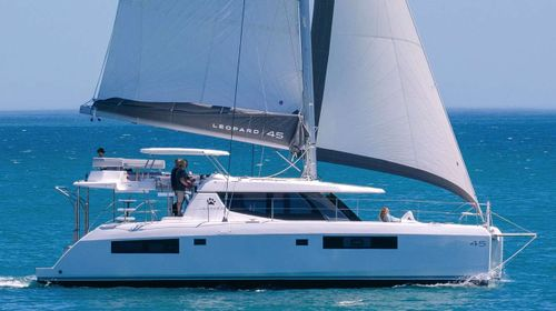 Yacht Charter Exhale | Ritzy Charters