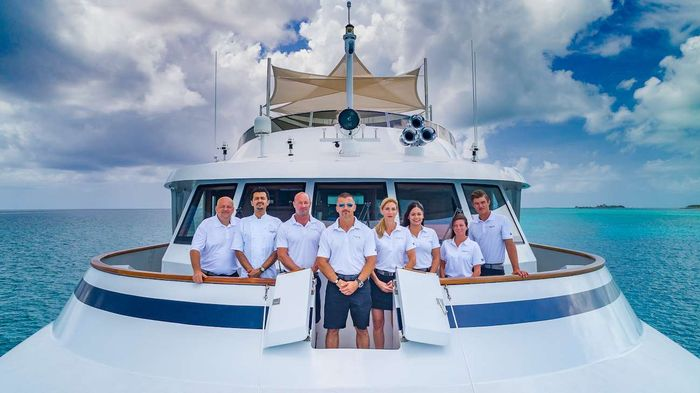 Yacht Charter LADY S Crew