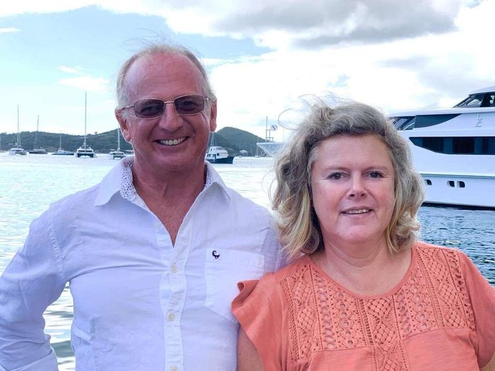 Yacht Charter OUTBACK Crew