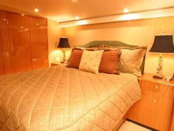 PRIORITY Yacht Charter - Master Stateroom